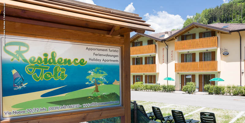 Residence Toli har i alt 18 lejligheder med plads til maks. 7 personer.